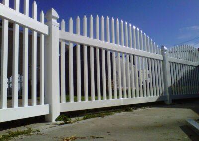 DLR Vinyl Fencing
